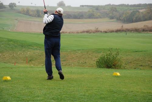 k-20081012 CDW CPI Golf Trophy 15b